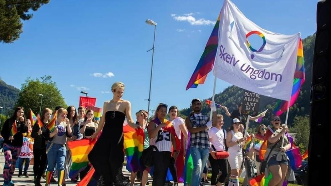 PRIDE: I fjor blei SoFjo Pride arrangert for første gong i Førde, i år går arrangementet digitalt i heile Sogn og Fjordane.