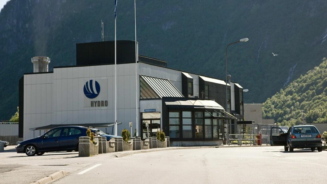 OVERSKOT: Aluminiumsverket i Høyanger leverte eit godt resultat i først kvartal.