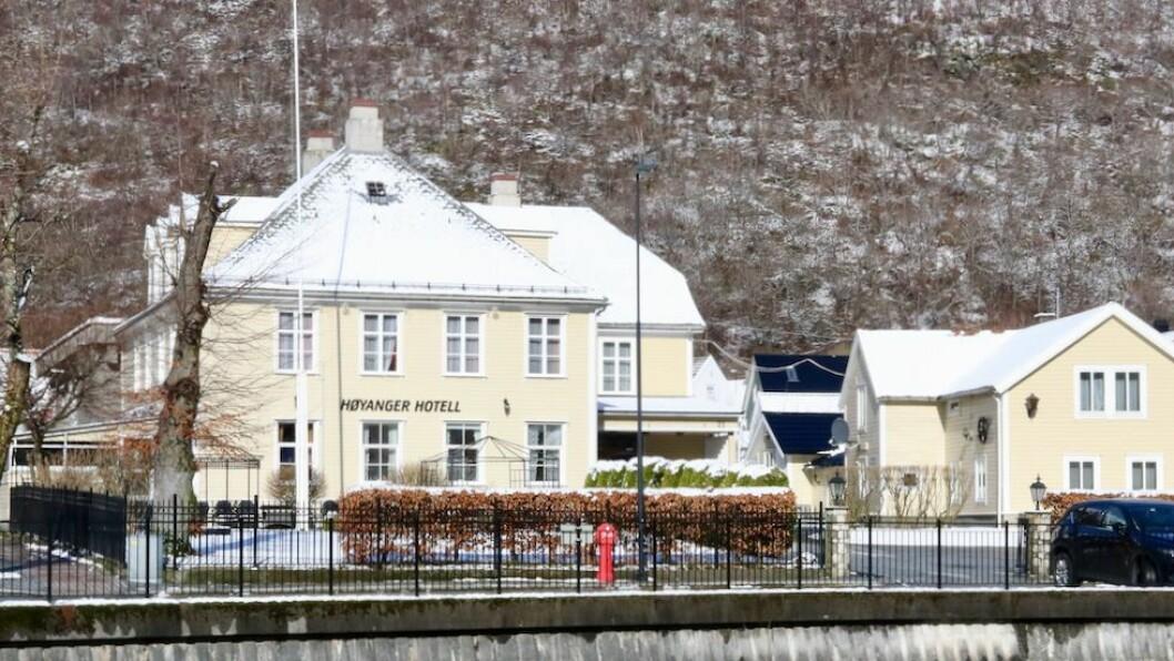 KJØPT: Høyanger hotell vart lagt ut for tvangssal i februar etter at eigarselskapet vart tvangsoppløyst