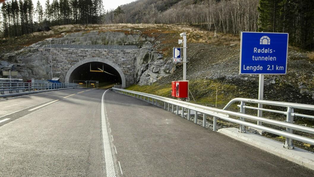 RØDØLSTUNNELEN: Snart kan denne tunnelen opna.