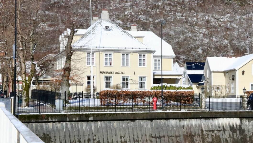 KJØPTE HOTELL: Selskapet bak kjøpet av Høyanger hotell, Storgata 21 Eides, er éin av seks nyetableringar i Indre Sogn.