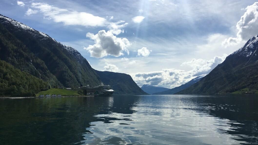 SKJOLDEN: Eit slikt syn, med cruiseskip på fjorden, får ein ikkje sjå på Skjolden i år.