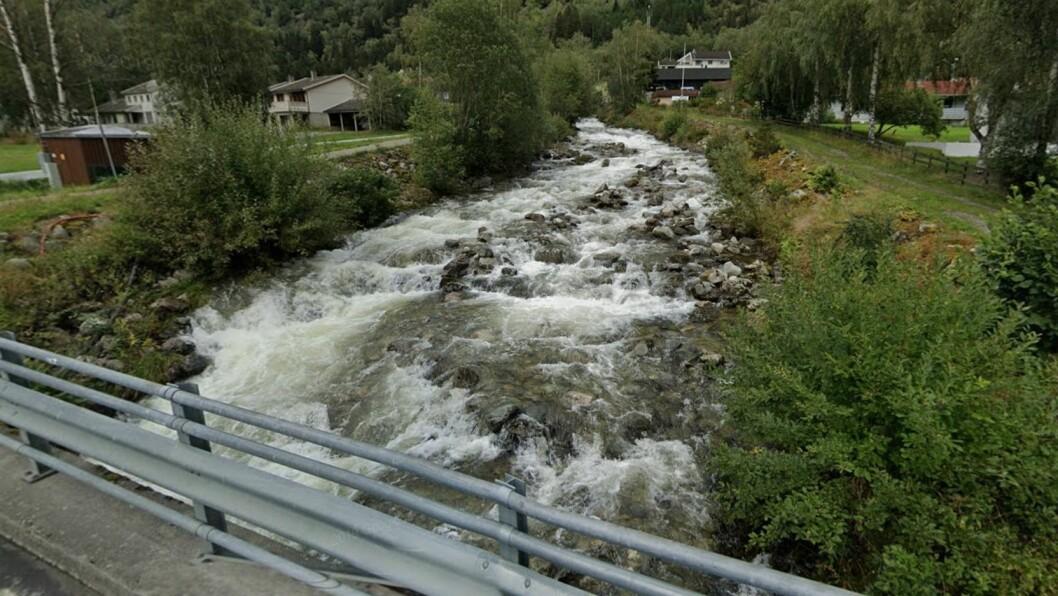 FÅR GRAVA: Lærdal kommune har fått lov til å fjerna lausmassar frå Ofta for å førebygga flaum.