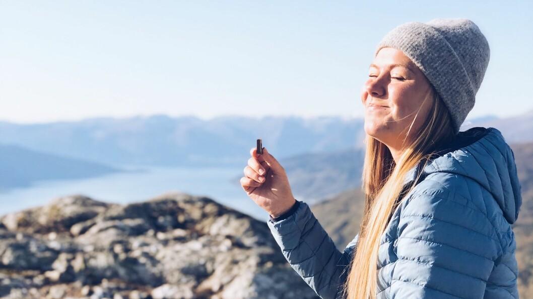 NYTER: Ane Kristina Hovland er glad i fjellet og naturen Sogn har å by på.
