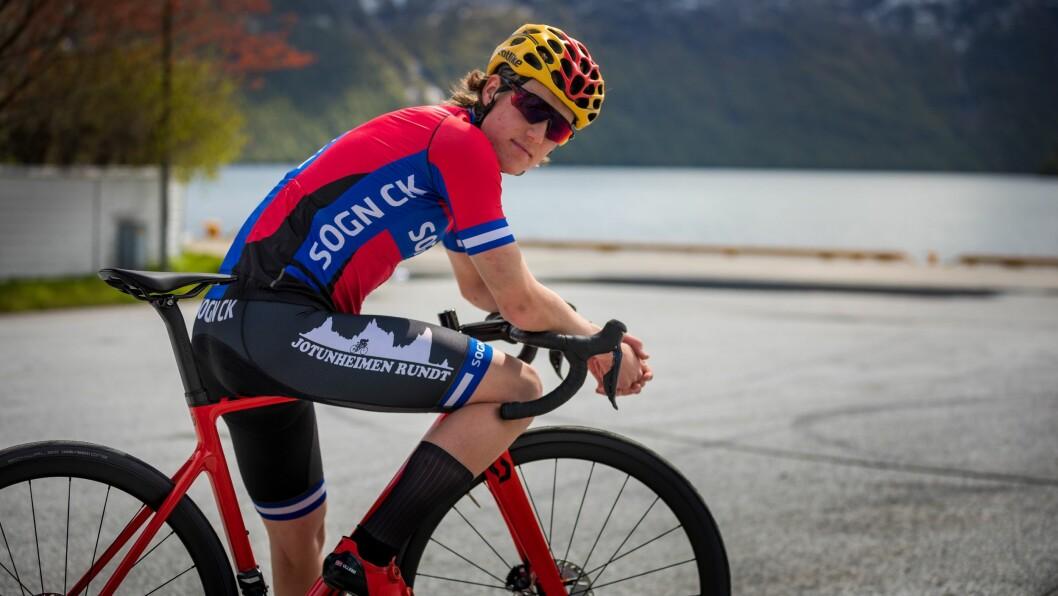 SATSAR: Thristan Engebø Ullebø (18) frå Høyanger satsar på sykkelsporten framover.
