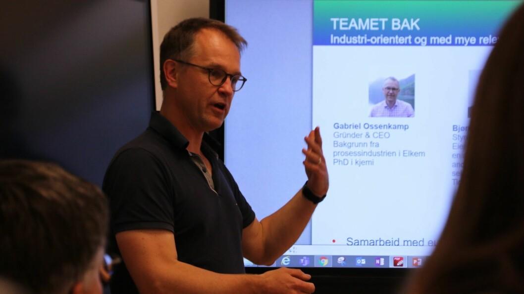 NESTE STEG: Gabriel Ossenkamp og selskapet FjordAlg har fått 8 millionar frå Innovasjon Norge til algesatsing i Årdal.