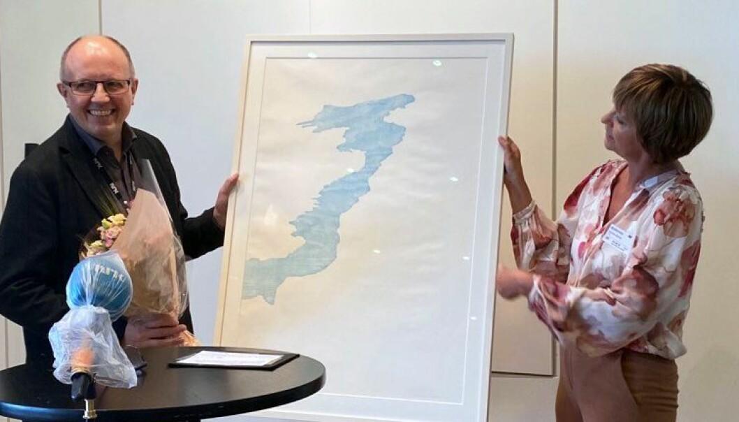 Eivind Molde og Solveig Barstad på prisutdeling. Foto Karoline Riise Kristiansen, NRK