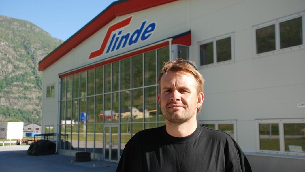 SER FRAMOVER: Dagleg leiar Arne Slinde Ahlin i Slinde Transport er glad for at konflikta med Lærdal kommune er løyst, og at verksemda no kan setta full fart på satsinga.