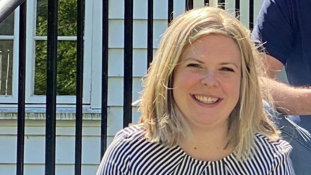 NYTT FJES: Ragnhild Skahjem Tofastrud (34) flytta heim att til Aurland for å starta i den nye jobben.