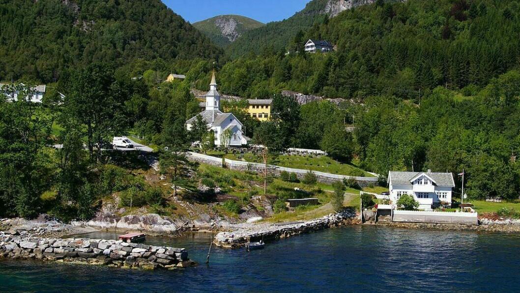 LAVIK: Lavikvegen 1210 i Høyanger kommune vart overdrege for 1 200 000 kroner.