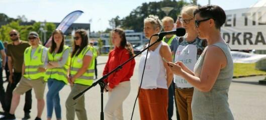 Demonstrerte mot vindkraft: – Naturen er ikkje til sals og me gir oss ikkje