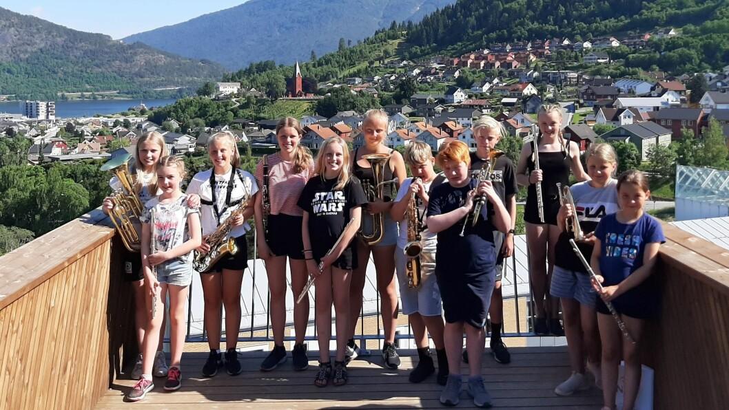 Sogndal musikklag avslutta sesongen med ein liten konsert oppe på campus til Høgskulen.