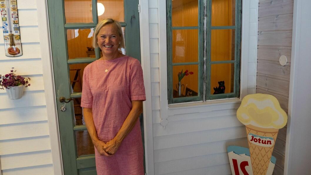 KAFÉ: Rita driv saman med mannen, Stein, den nye kaféen på Høyheimsvik.