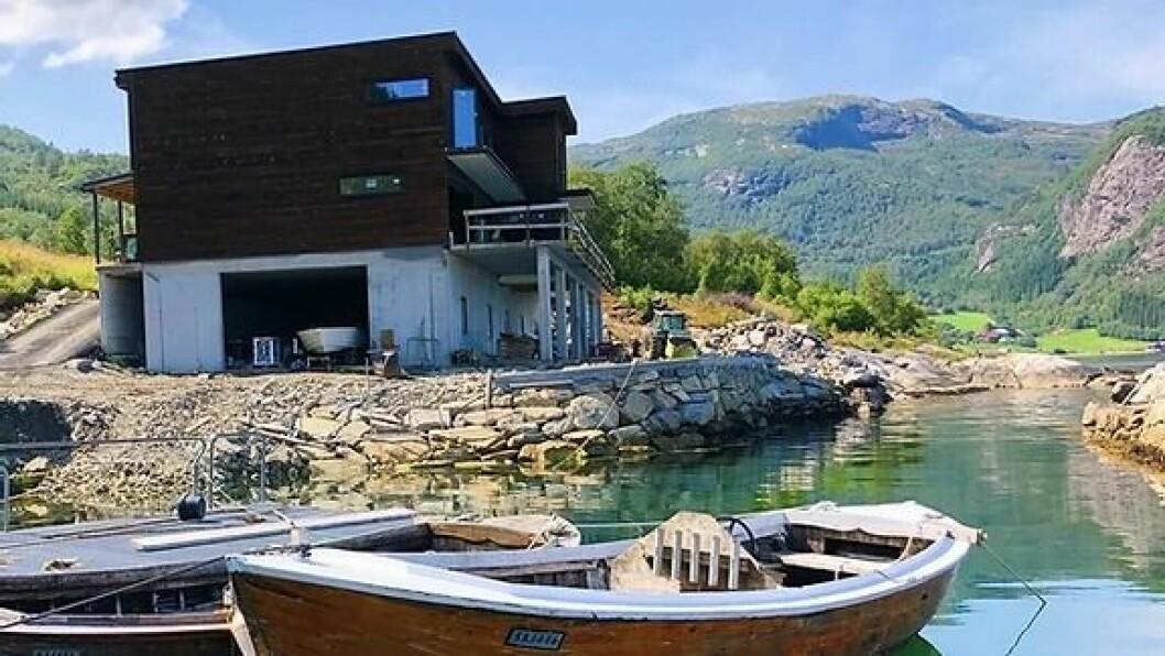 Arne Hjartholm har nett bygd 5 nye leilegheiter som han skal leige ut i sommar.