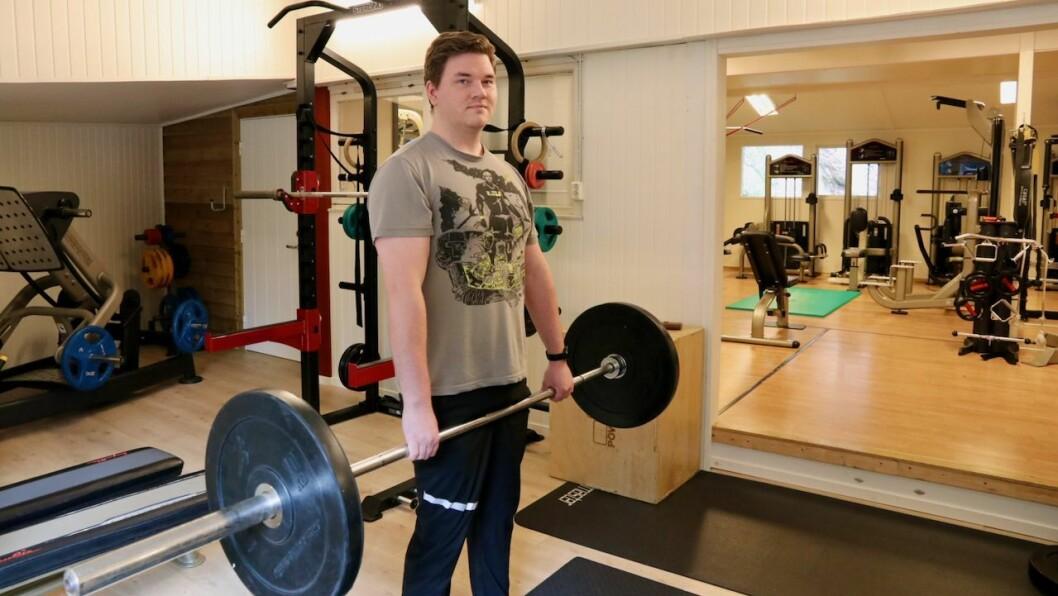ERFARING: Personleg erfaring har gjort Kristoffer Rongved Haveland oppteken av korleis ein kan nytte trening for å førebyggje skader og smerter.