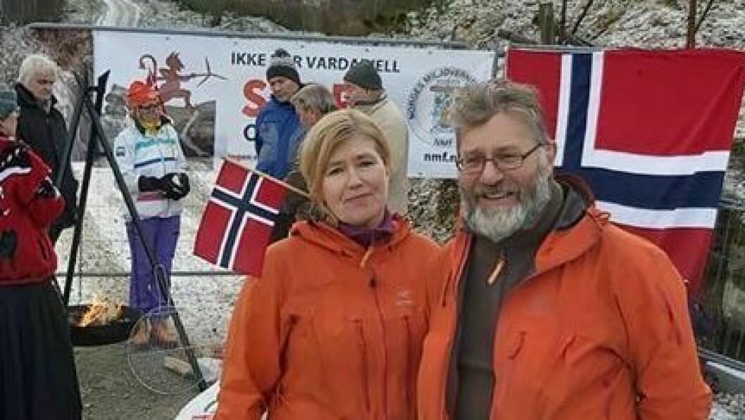 NORGESFERIE: Irene Njå-Gjellestad og Ådne Njå kombinerer norgesferien med ein turné mot vindkraft.