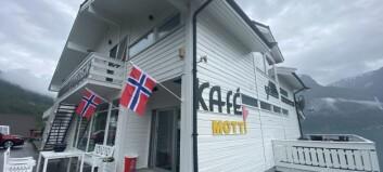Bli med inn på Kafé Motti
