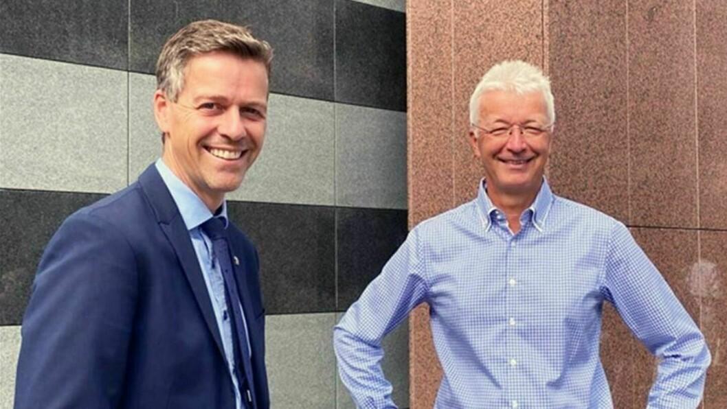 UTFORDRINGAR: Samferdsleminister Knut Arild Hareide (KrF) møtte fylkesordførar Jon Askeland (Sp) for å diskutera Nasjonal transportplan og kva utfordringar fylket har på vegane.