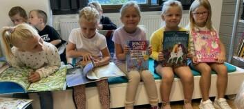 Spente elevar fekk vera med på opninga av nytt bibliotek på Tangen skule