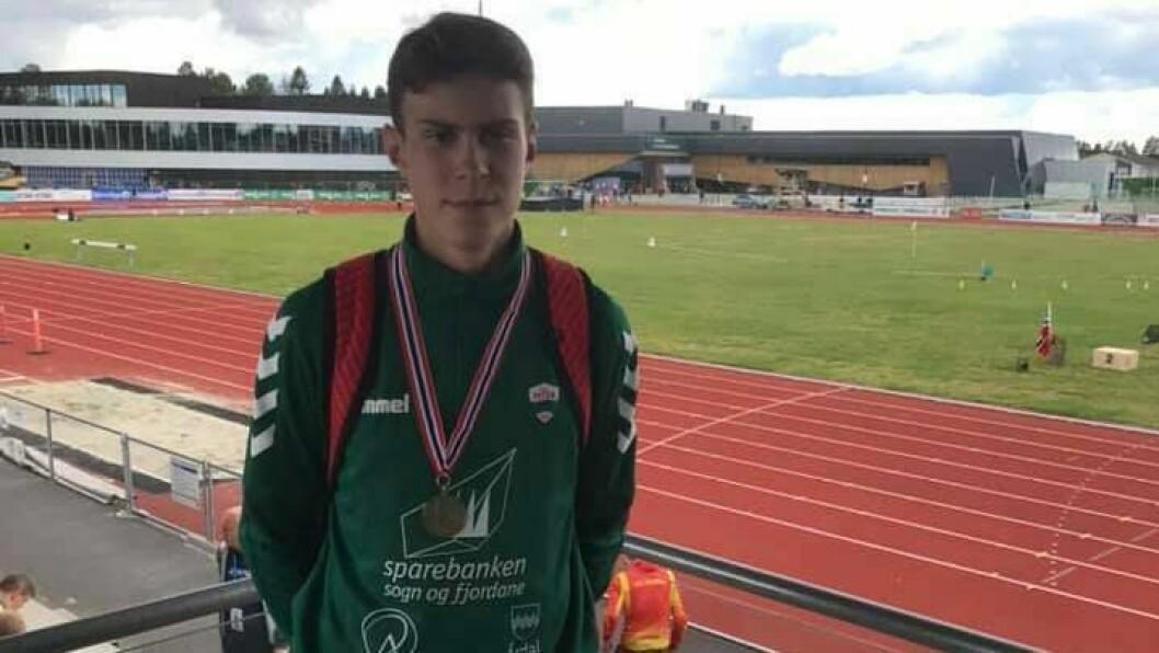 IMPONERTE: Under UM i friidrett i helga tok August da Silva Sveen frå Jotun  bronse i G16-klassen på 800 meter.