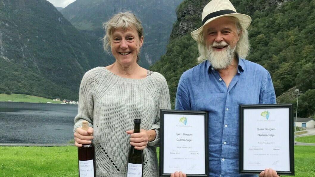 REPRISE: I år som i fjor, og i forfjor, stakk Halldis Nedrebø og Bjørn Bergum av med tittelen årets vinbønder og årets vin under Norsk Vinskue i helga.
