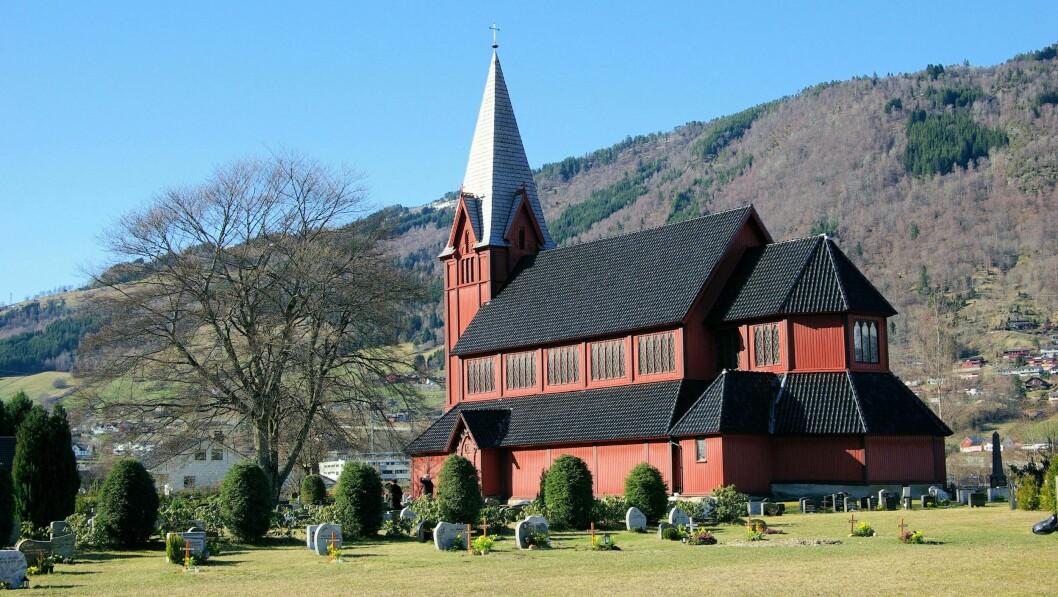 STÅR SAMAN: Det har ikkje hindra oss frå å stå saman om det viktigaste - frimod til å forkynne trua på Jesus Kristus, skriv kyrkja i Sogndal i ei felles uttale.