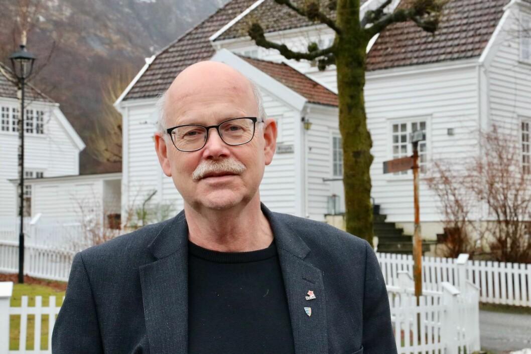 I første omgang må Nyrstar/Trafigura ta på seg korona-masker, kome til Høyanger og stå til rette for fagforeiningar, kommune og lokalsamfunn, skriv Einar Rysjedal.