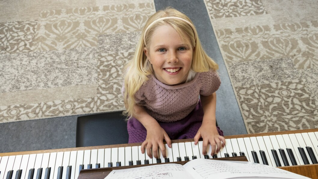 VIL SPELA PIANO: Eline frå Leikanger.