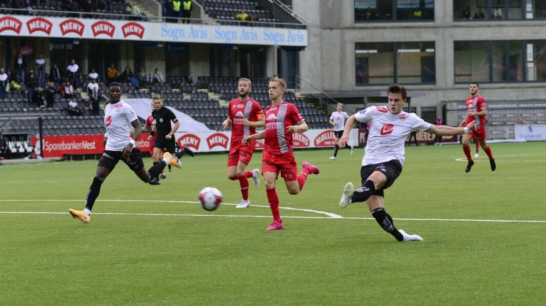 FYR OG FLAMME: Kristoffer Hoven skåra hat-trick mot Strømmen, i fjor, og han kunne fort hatt tre til pause mot Ranheim.