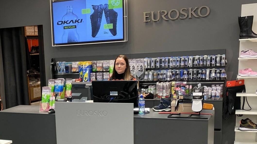 SJOKK: Stenginga av butikken kom som eit stort sjokk på dei tilsette. Etter 70 år er det over og ut for butikken i Øvre Årdal.