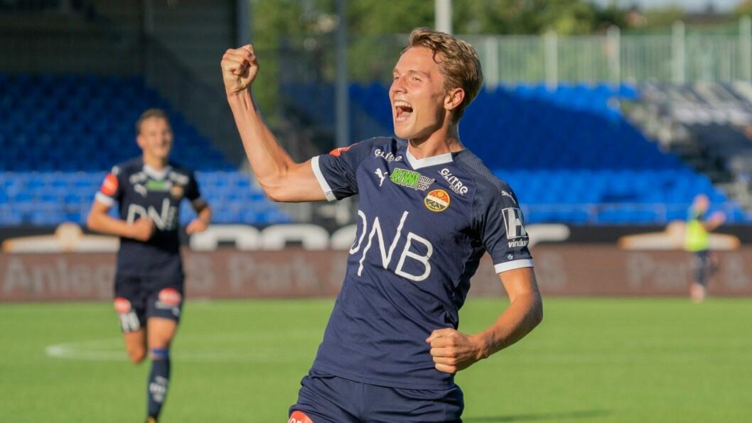JUBEL: Johan Hove (20) har etter kvart blitt ein målfarleg mann i Eliteserien.