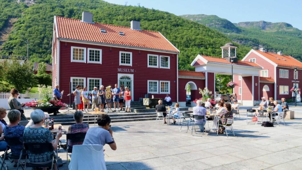 GJENOPNING: Høyanger industristadmuseum vart gjenopna 25. juni og husar no også modellane av gamle Høyanger som Arild Høyvik har laga.