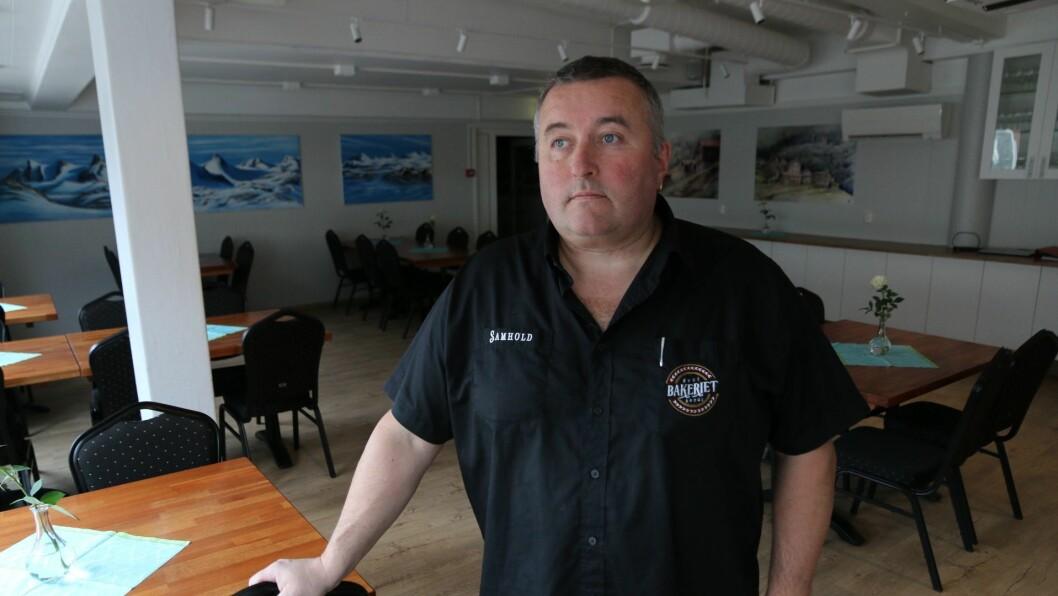 KONKURS: Styret sin leiar Henrik Rønningen fortel til Sogn Avis at dei ikkje hadde anna val enn å slå kafeen i 1. etasje på Årdalsenteret konkurs.