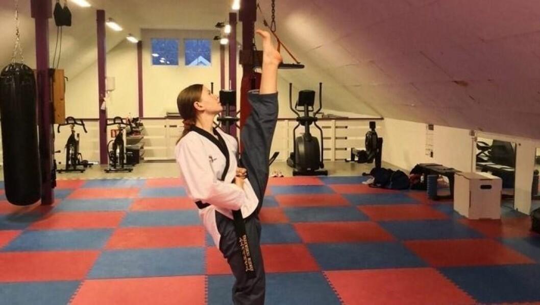 Embla Sviggum har svart belte i taekwondo og trena mot å verta ein profesjonell utøvar.