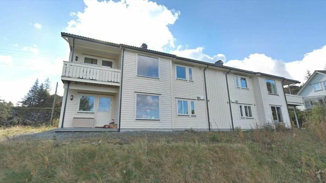 TINGLYSTE: Denne eigedomen blei seld for mellom 1 og 2 millionar og ligg i Solund.
