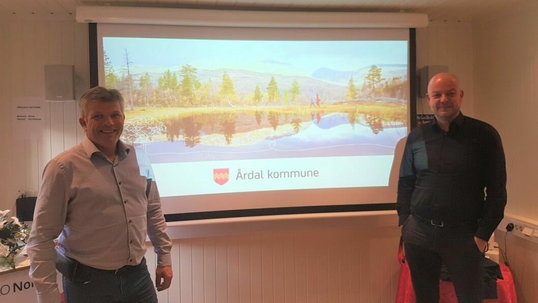 NØGDE: Både Skjæran og Høl var nøgde med erfaringane og dialogen dei fekk frå besøket.