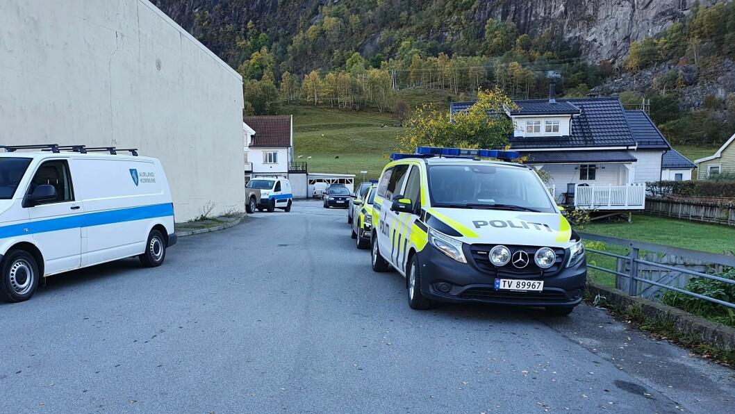 SAKNA: Politiet går ut med namnet på den sakna i Aurland. Søket vil halda fram i morgon.