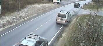 Lastebil med diesellekkasje i Fjærland