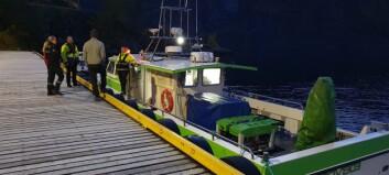 Fann mobiltelefonen til den sakna langs fjorden, no leitar miniubåt under vatn