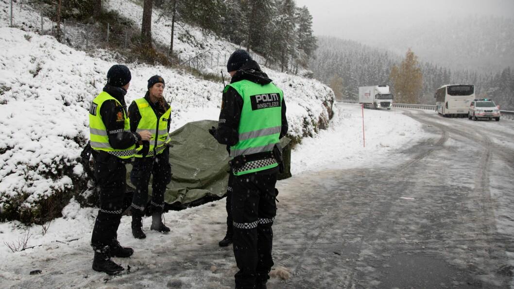 BLIR ETTERFORSKA: Både politi og vegvesen vil etterforska dødsulukka i Luster tysdag.