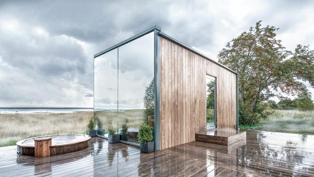 SPEGLAR NATUREN: Slik skal hytta som blir sett opp på Nes gård sjå ut. Tre av veggane blir speglar.