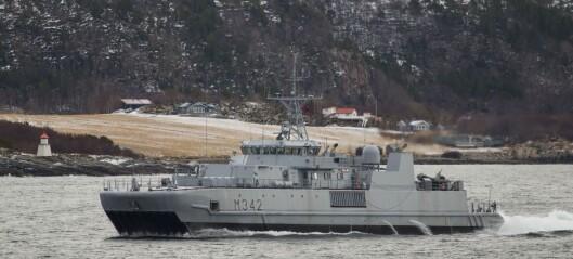 Marinen bistår med minejaktfartøy i leitinga etter Christoffer (29)