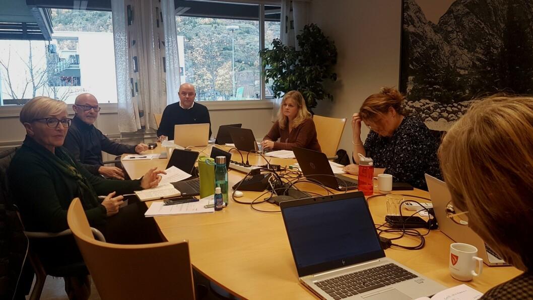 ALVORLEG: Formannskapet meiner det må gjerast grep for å løyse den økonomiske situasjonen til Lærdal kommune.