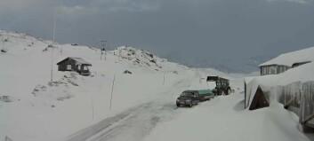 Slik er status på fjellet: Uvêr stengjer Sognefjellet heile dagen.