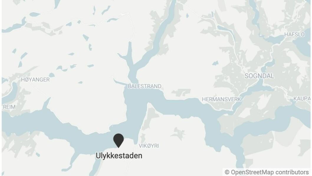 ULYKKA: Kollisjonen skal ha skjedd om lag seks kilometer frå Vik.