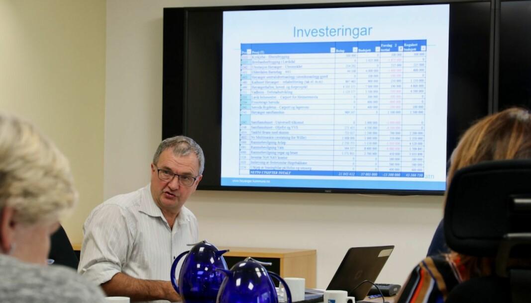 PENGAR: Økonomisjef i Høyanger, Ingvar Linde, kunne gje politikarane gode nyheiter.