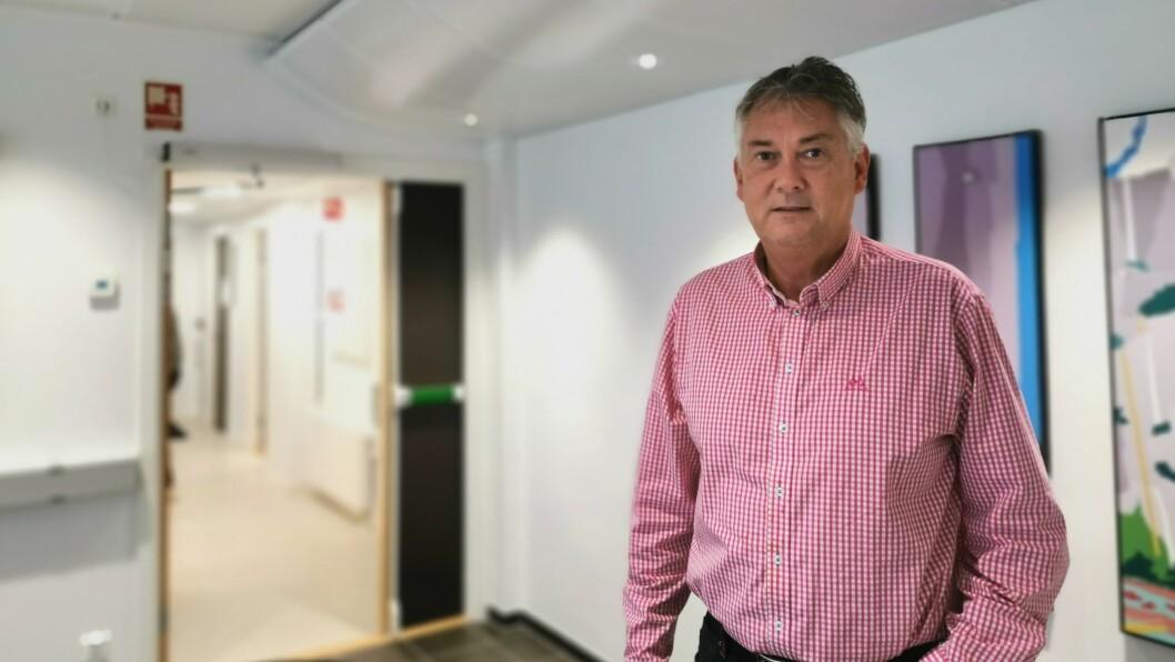 OVERRASKA: Ordførar Petter Sortland hadde ikkje høyrt om smittetilfellet i Høyanger.