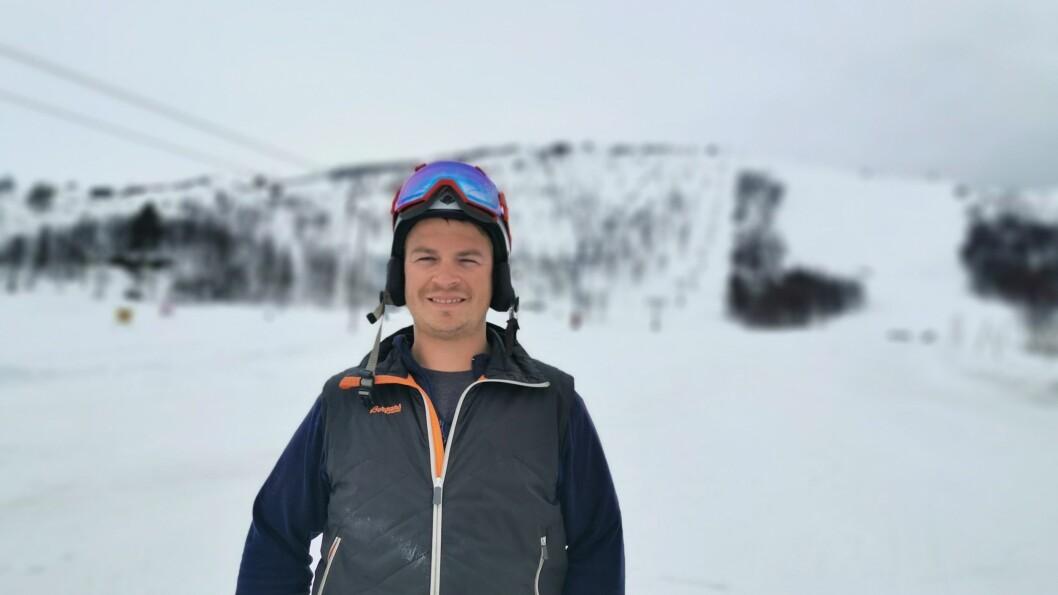 KLAR: Driftsleiar i Sogndal Skisetner Hodlekve Kim Andrè Navarsete seier dei er budde på å opne så tidleg som råd.