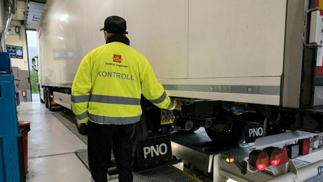 I HELGA: Statens vegvesen kontrollerte tungbilar heile helga.