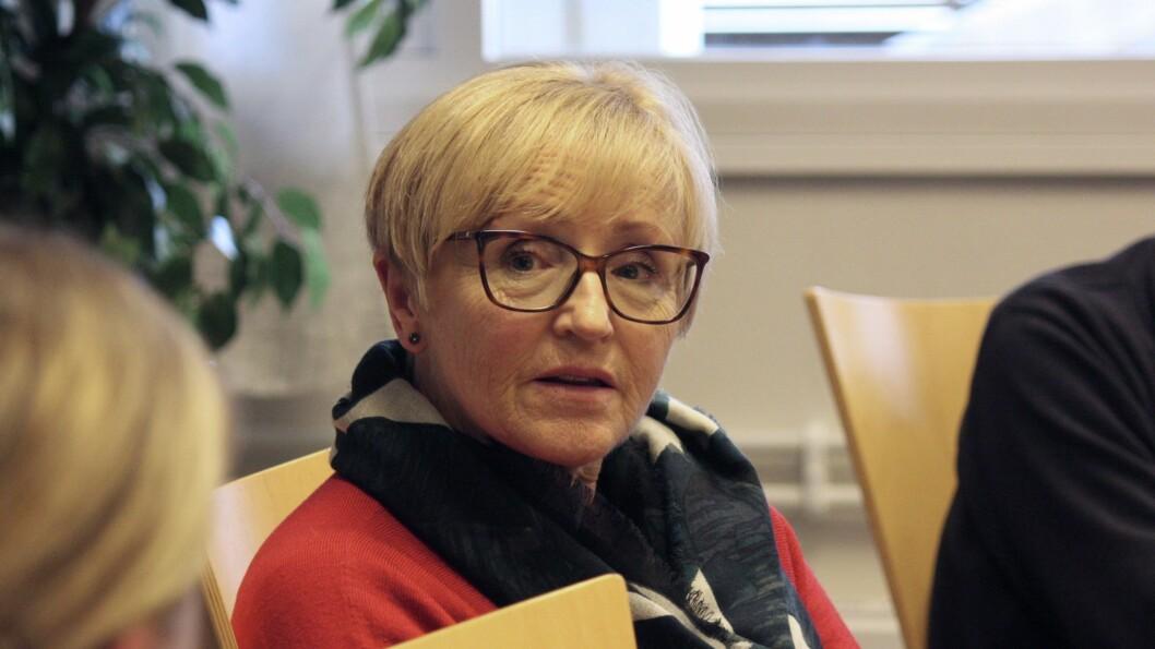 VIL SATSE FORSVAR: Liv Signe Navarsete skriv at forsvar er det viktigaste staten driver med, her frå formannskapsmøte i Lærdal i 2019.